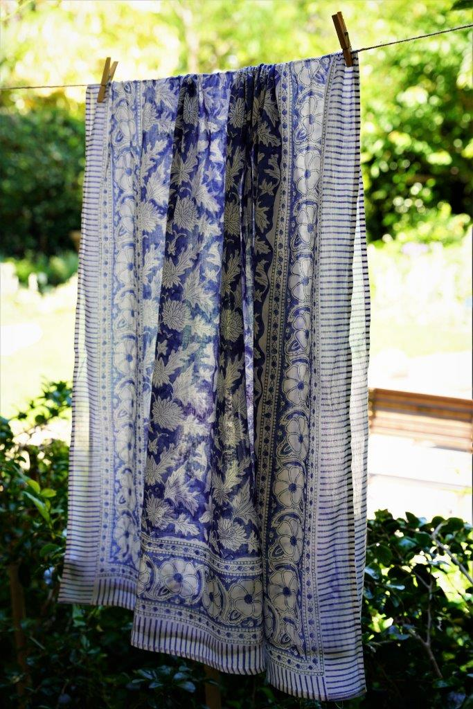 Blue/White Floral Sarong - desray.co.za