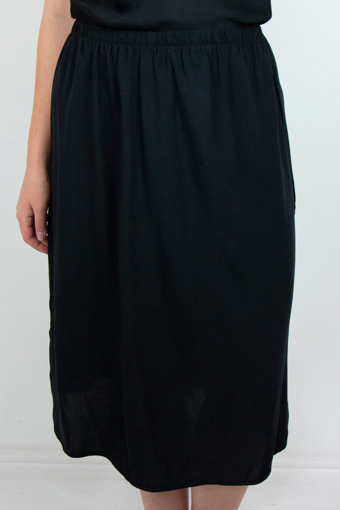 Black Mini Slip - desray.co.za