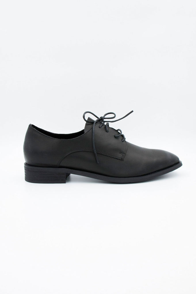 Black Brogues - desray.co.za