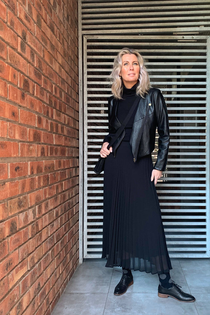 Black Sunray Pleated Skirt - desray.co.za