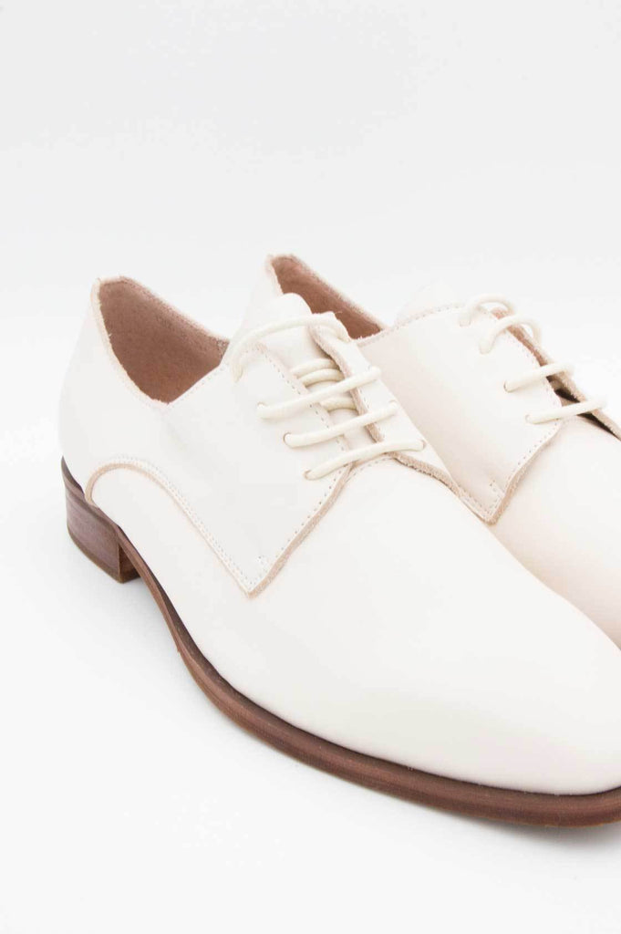 Ivory Brogues - desray.co.za