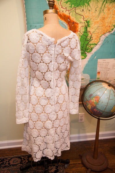 Vintage 60s Crocheted Lace Wedding Dress // Size 8 - 10 // Bohemian Wedding