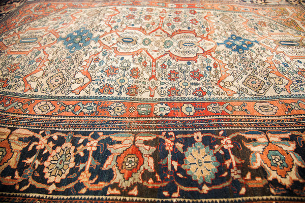 Finely Knotted Antique Persian Rug / Item 1294 image 11