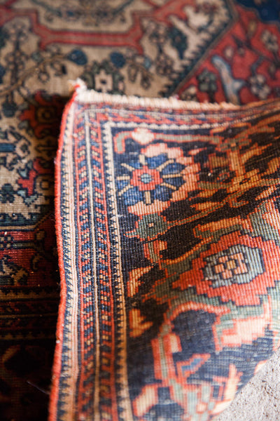 Finely Knotted Antique Persian Rug / Item 1294 image 8