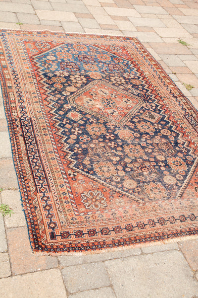 4x7 Subtle Colors Antique Shiraz Rug - Old New House