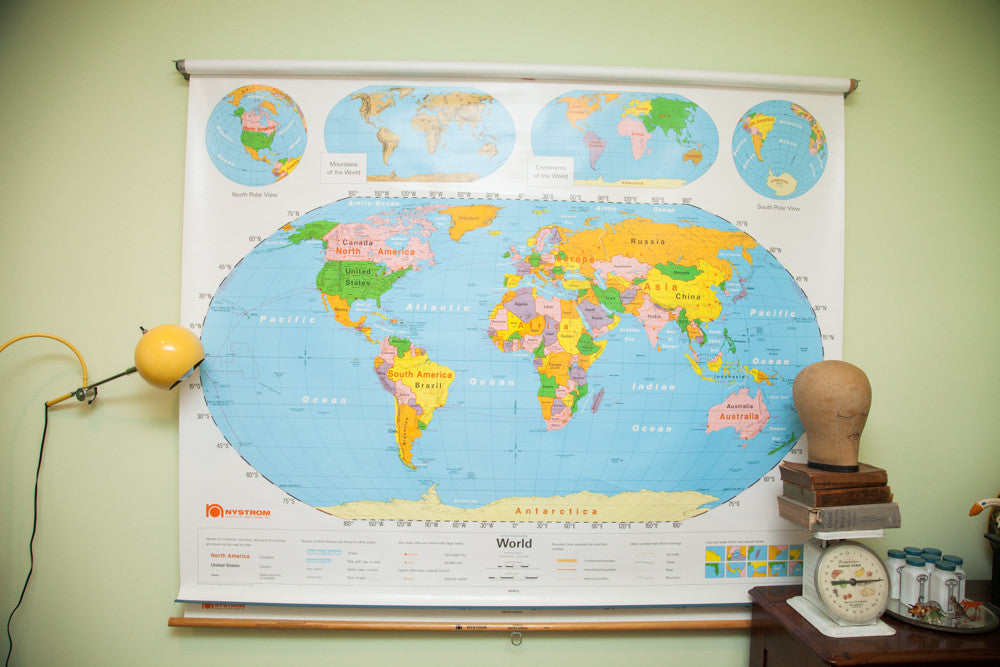 Vintage 90\'s Nystrom World USA Pulldown Map Kids Room