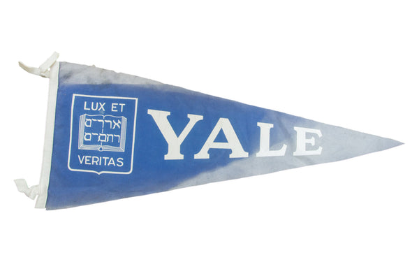 Vintage Yale Luxe Et Veritas Felt Flag Banner - Old New House