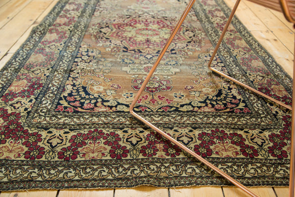 Antique Isfahan Rug / Item 3613 image 4