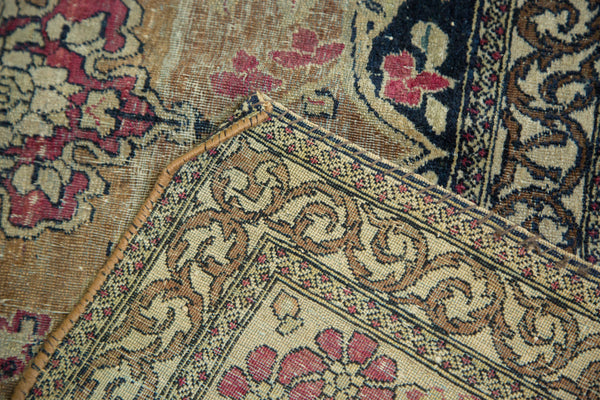 Antique Isfahan Rug / Item 3613 image 7