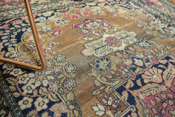 Antique Isfahan Rug / Item 3613 image 8