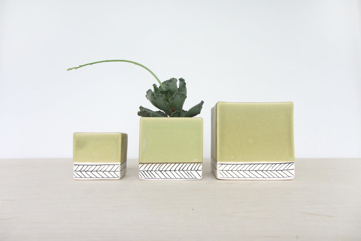 Small Sage and Herringbone Planter // ONH Item 4460