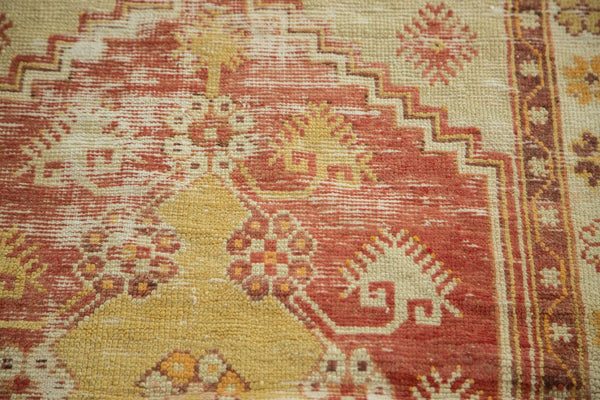 Vintage Distressed Oushak Rug / Item 4726 image 9