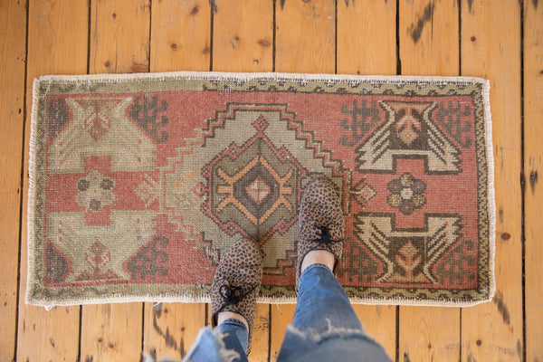 Vintage Distressed Oushak Rug Mat Runner / Item 5308 image 2