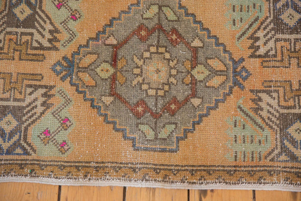 Vintage Distressed Oushak Rug Mat Runner / Item 5320 image 3
