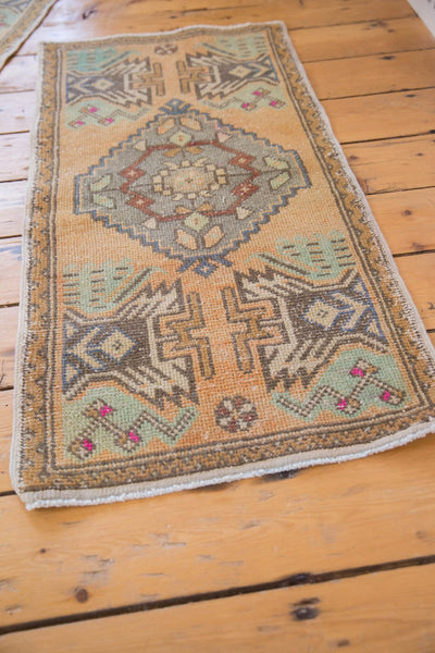 Vintage Distressed Oushak Rug Mat Runner / Item 5320 image 4