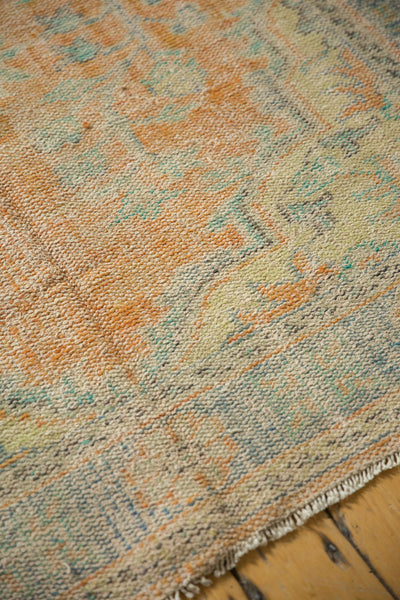Vintage Distressed Oushak Carpet / Item 5994 image 5