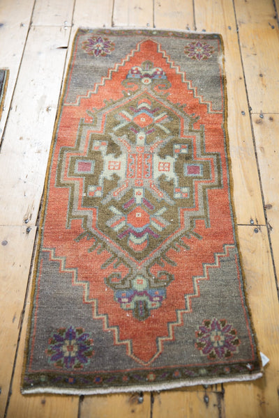 Vintage Distressed Oushak Rug Mat Runner / Item 6126 image 3