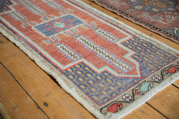 Vintage Distressed Oushak Rug Mat Runner / Item 6156 image 3