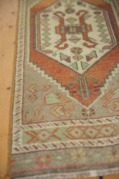 Vintage Distressed Oushak Rug Mat Runner / Item 6181 image 4