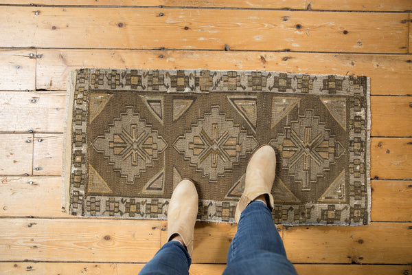 Vintage Distressed Jijim Rug Mat Runner / Item 6368 image 2