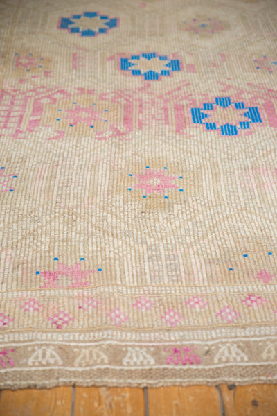Vintage Distressed Jijim Carpet / Item 6503 image 9