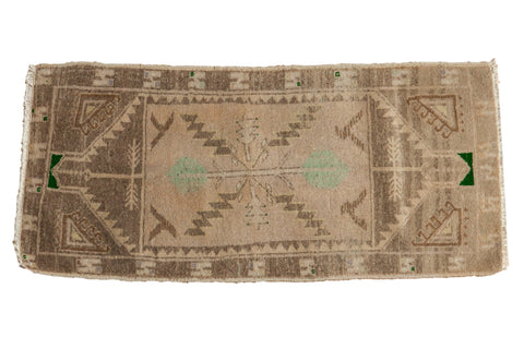 1.5x3.5 Vintage Distressed Oushak Rug Mat Runner // ONH Item 7208