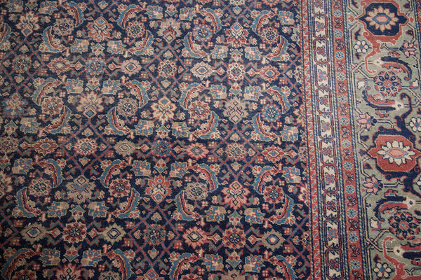 Distressed Tabriz Carpet / Item ee001731 image 3