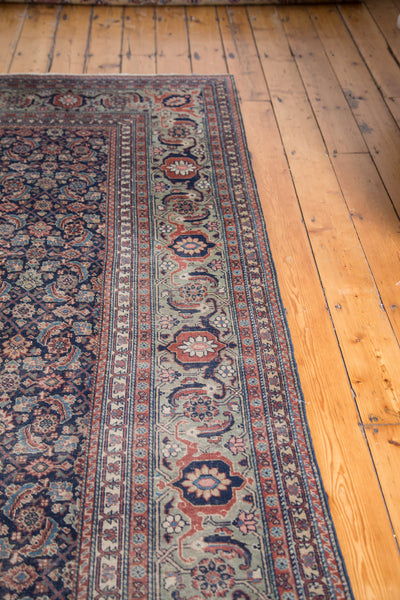 Distressed Tabriz Carpet / Item ee001731 image 4
