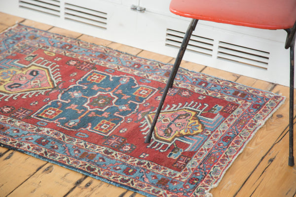 Distressed Heriz Rug / Item ee002054 image 4