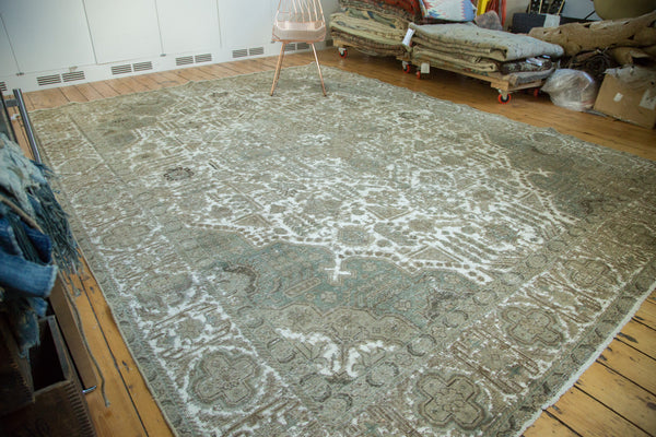 Vintage Distressed Tabriz Carpet / Item ee002387 image 4