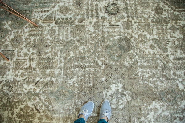 Vintage Distressed Tabriz Carpet / Item ee002387 image 8