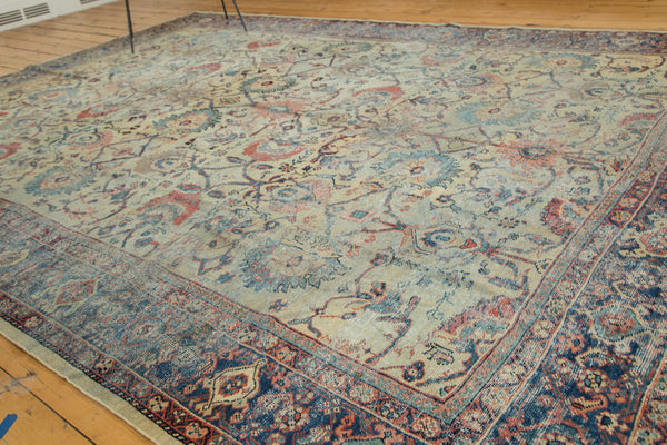 Distressed Antique Mahal Carpet / Item ee002703 image 5
