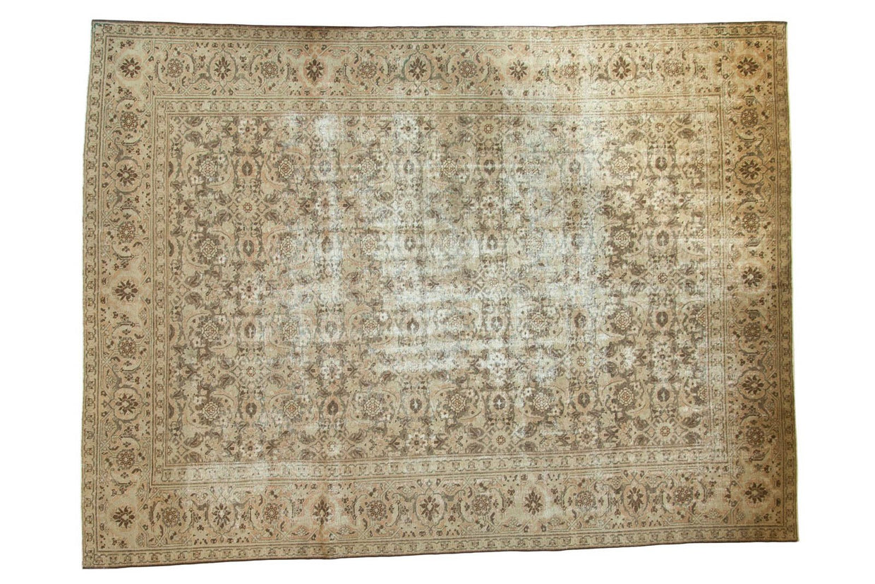 9.5x12.5 Vintage Distressed Sivas Carpet // ONH Item ee002890