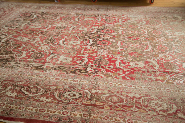 Vintage Distressed Tabriz Carpet / Item ee002972 image 2