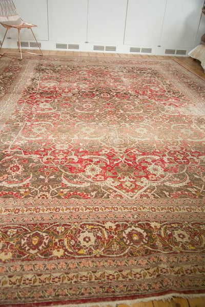 Vintage Distressed Tabriz Carpet / Item ee002972 image 4