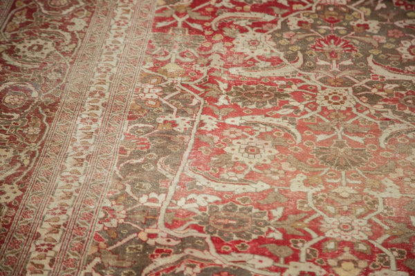 Vintage Distressed Tabriz Carpet / Item ee002972 image 5