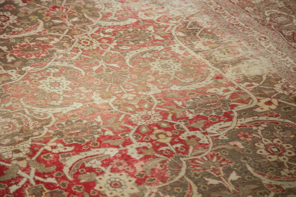 Vintage Distressed Tabriz Carpet / Item ee002972 image 6