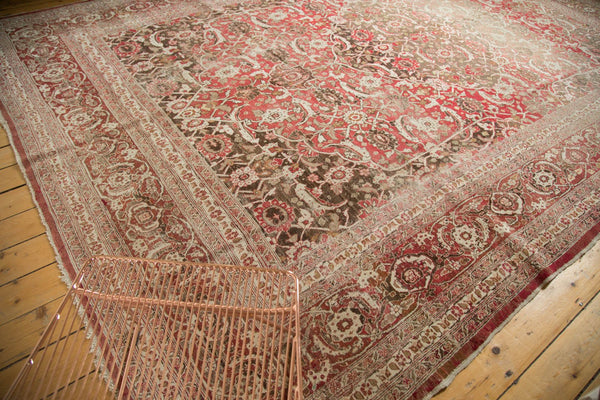 Vintage Distressed Tabriz Carpet / Item ee002972 image 9