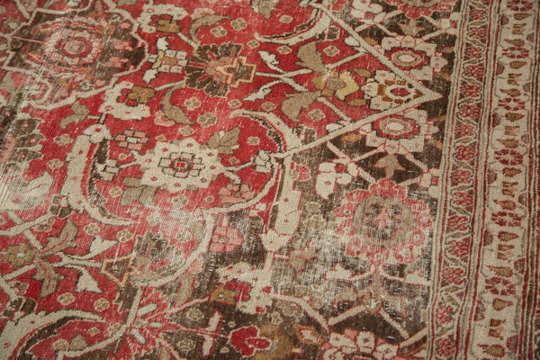 Vintage Distressed Tabriz Carpet / Item ee002972 image 12
