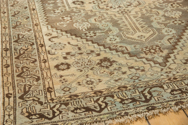 Vintage Distressed Shiraz Rug / Item ee003406 image 4
