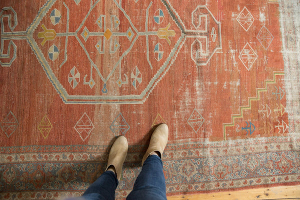 Vintage Distressed Mahal Carpet / Item ee003539 image 2