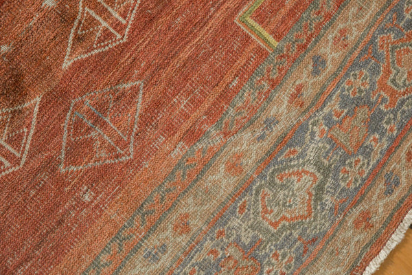 Vintage Distressed Mahal Carpet / Item ee003539 image 11