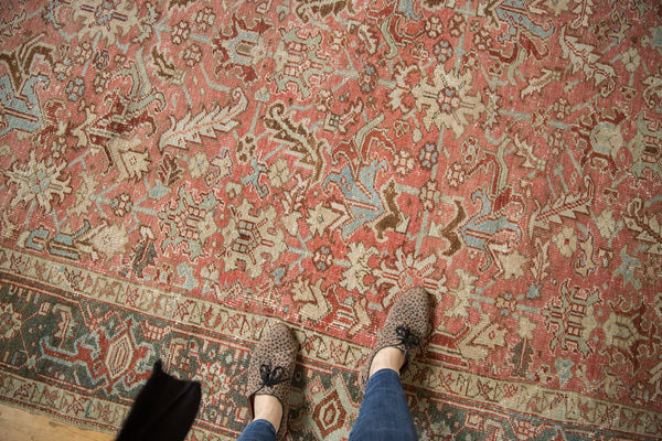Vintage Distressed Heriz Carpet / Item ee003543 image 2