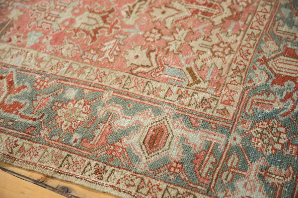 Vintage Distressed Heriz Carpet / Item ee003543 image 4