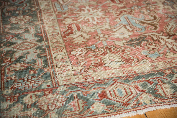 Vintage Distressed Heriz Carpet / Item ee003543 image 12