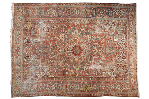 Vintage Distressed Heriz Carpet / ONH item ee003590