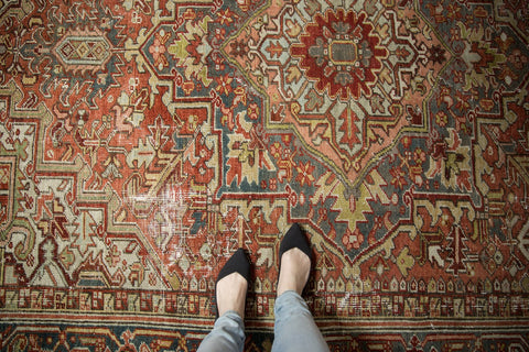 Vintage Distressed Heriz Carpet / ONH item ee003590 Image 1