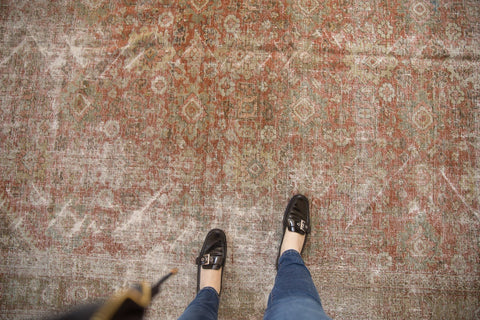Vintage Distressed Mahal Carpet / ONH item ee003595 Image 1
