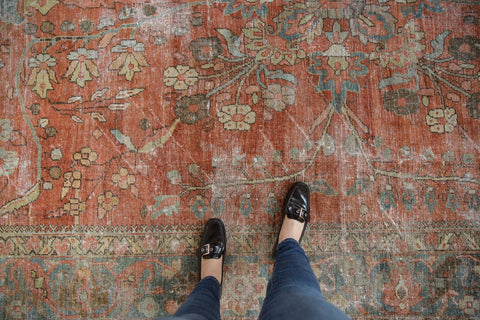 Vintage Distressed Mahal Carpet / ONH item ee003596 Image 1