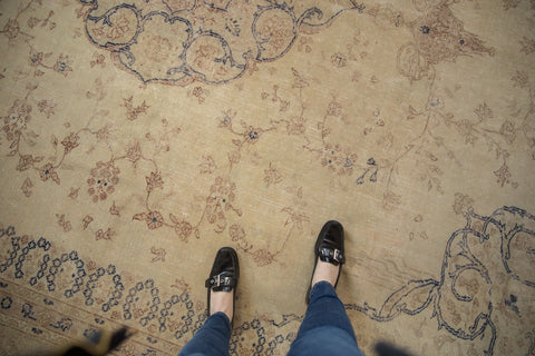Vintage Distressed Sparta Carpet / ONH item ee003624 Image 1